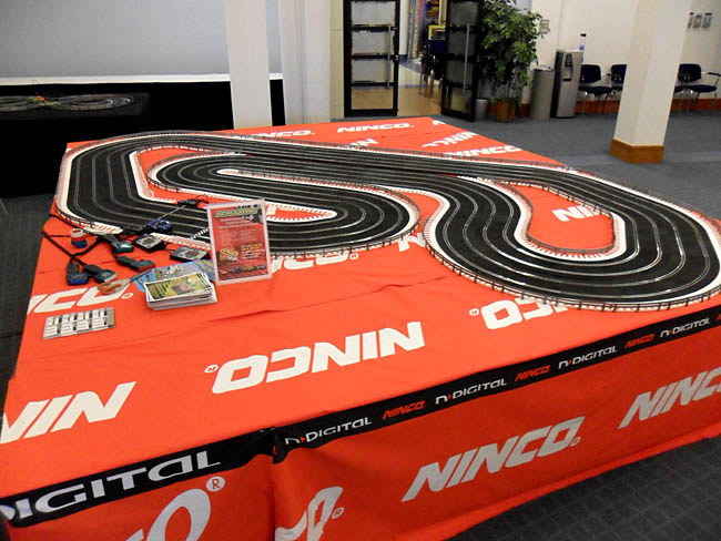 Ninco slot car tracks hollywood casino bangor maine poker